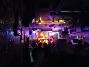traveling concert london friends